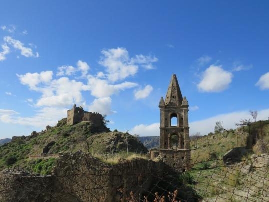 Campanile San Sebastiano e Castello Ruffo